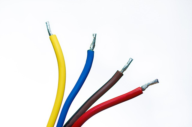 Cables-1080555 640.jpg