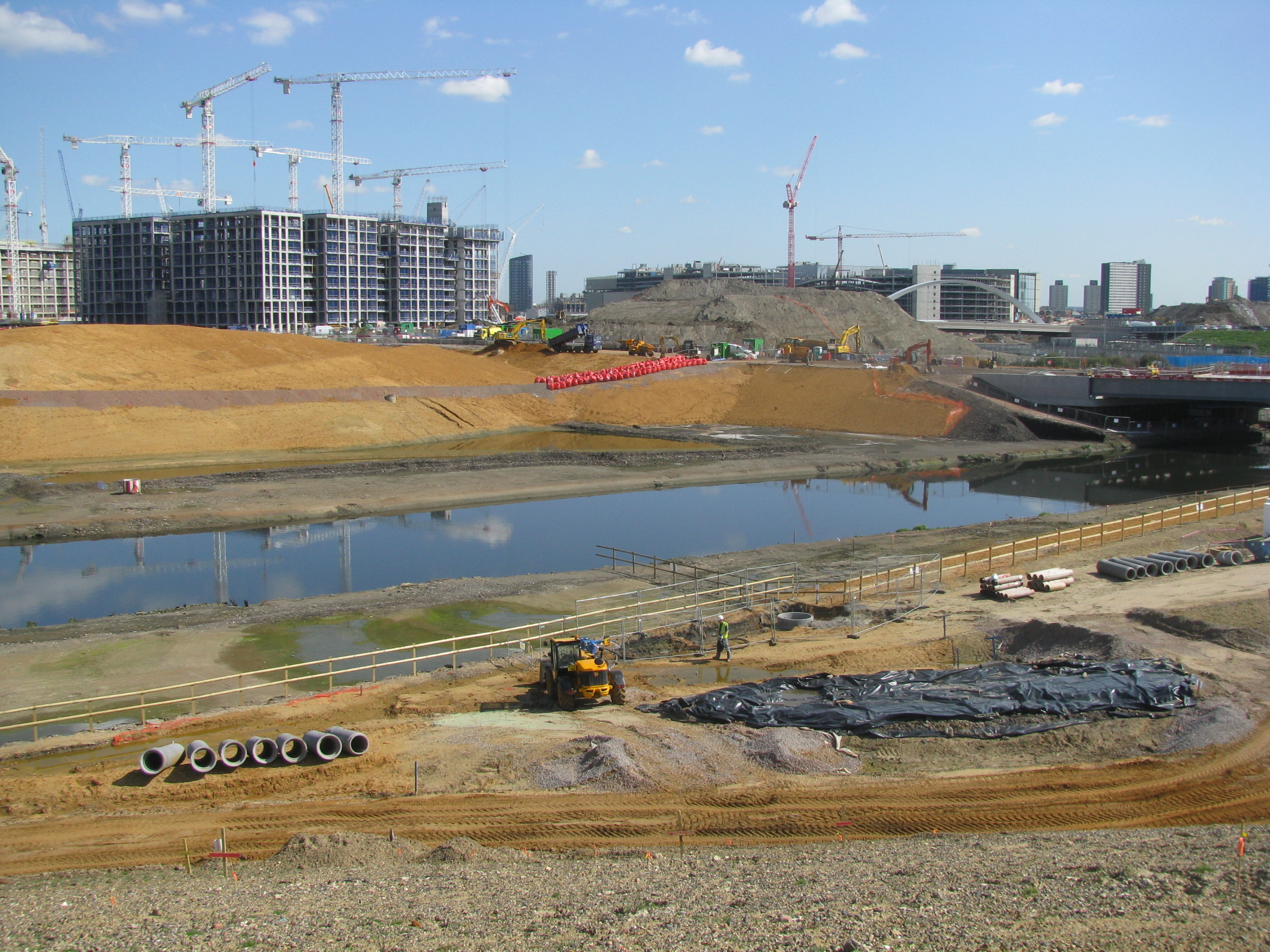 Wetland Bowl on the Olympic Park during construction.JPG