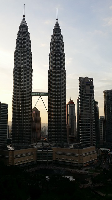 Petronas-twin-towers-337661 640.jpg