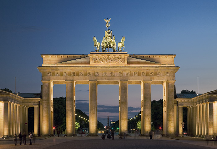 Brandenburg gate designing buildings wiki for Designhotel brandenburg