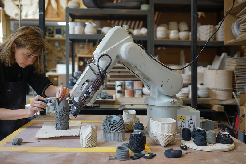 Robotic arm for ceramics.jpg