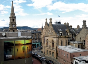 Inverness High Street and Town Hall 290.jpg