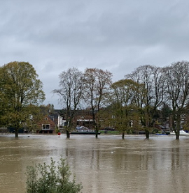 Evesham Flooded Avon Waterside Nov2019.png
