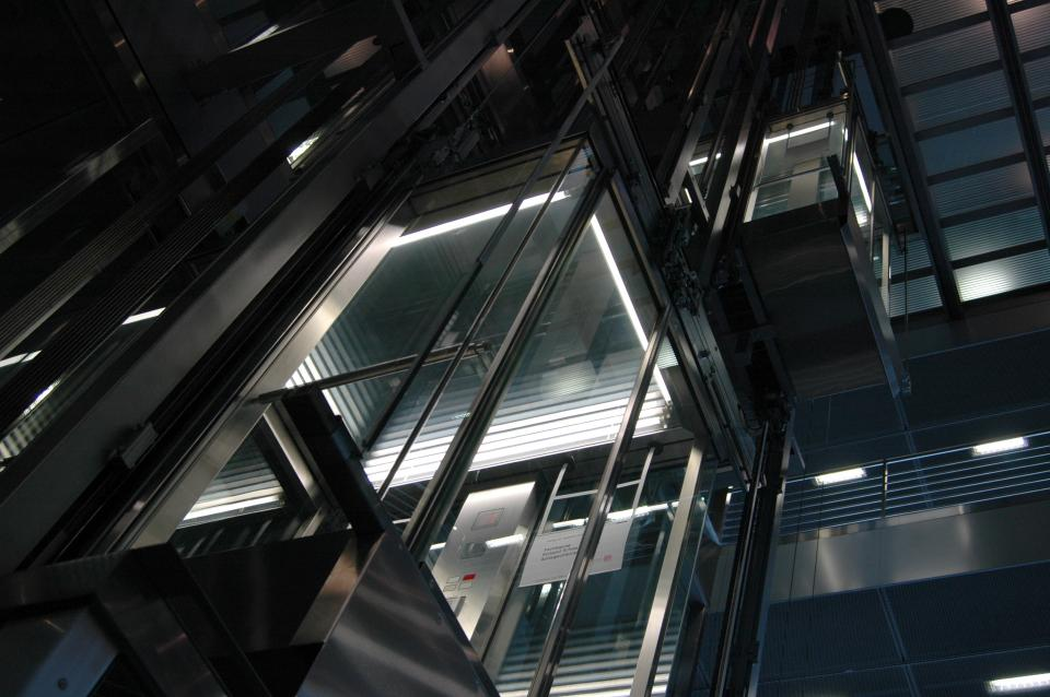 Top factors to consider when planning to install a lift