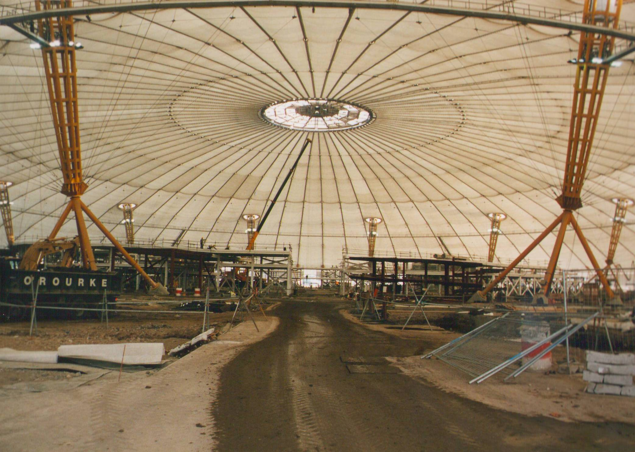 Millennium dome construction.JPG
