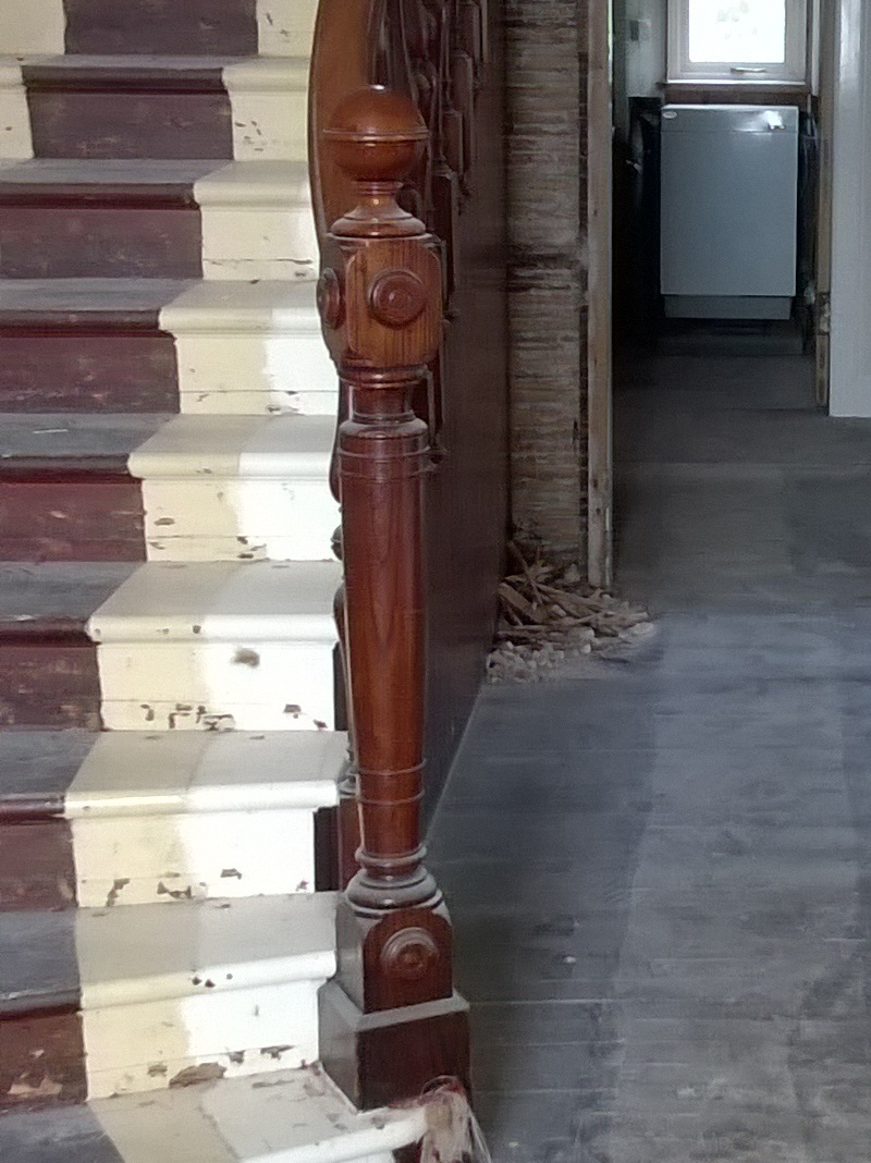 Newel post.jpg