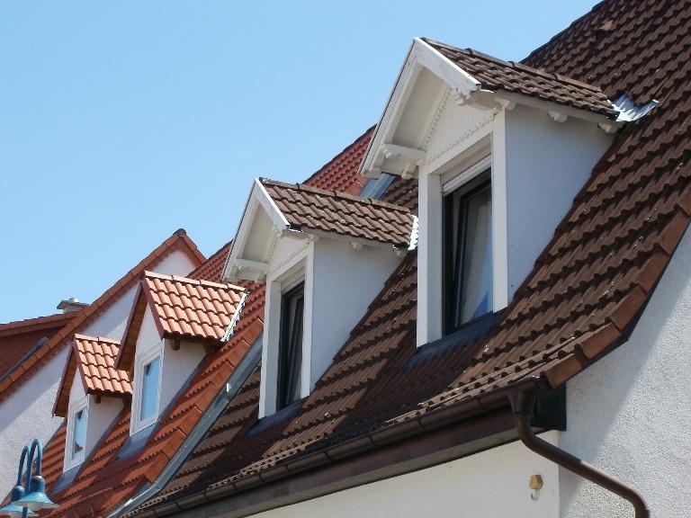 Dormer window designing buildings wiki for Abbaini per mansarde