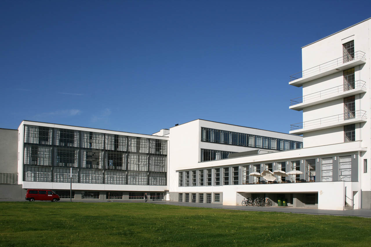 Bauhaus designing buildings wiki for Architecture bauhaus