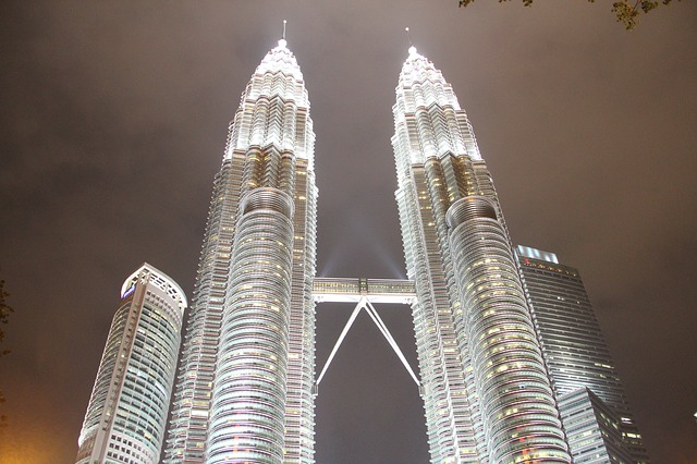 Petronas-towers.jpg