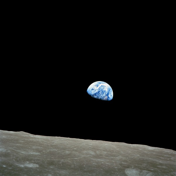 Fig 1 Earthrise.jpg