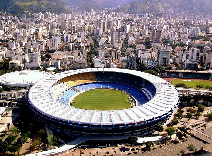File:Maracanã Stadium1(resized).jpg