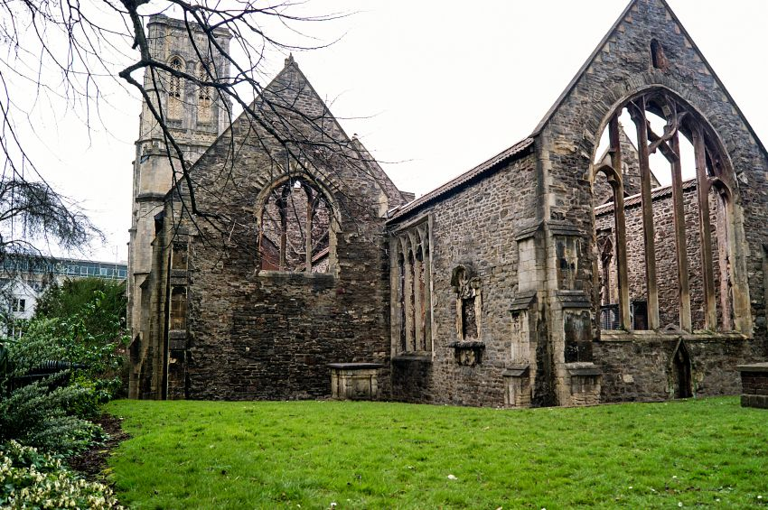 Temple church BristoliStock 000077184247 Small.jpg