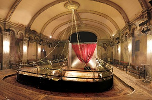 File:Wilton's Music Hall - Auditorium (2013).jpg