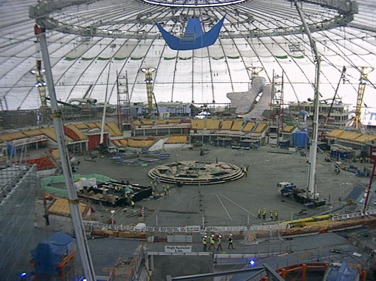 File:Millennium Dome interior construction.jpg