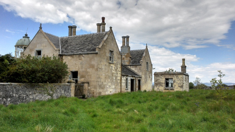 File:Scottish manor house.jpg
