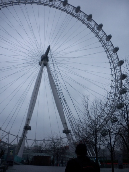 File:London Eye Spindle.JPG