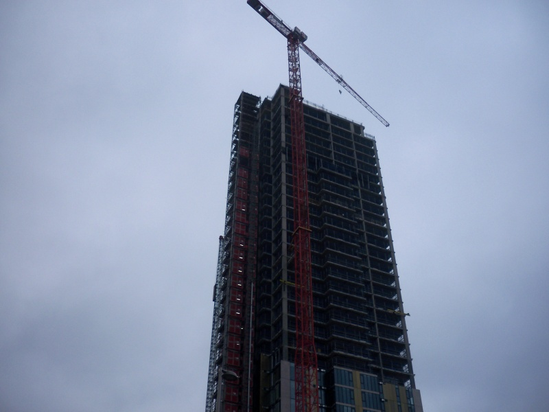 File:Tower construction and crane.JPG