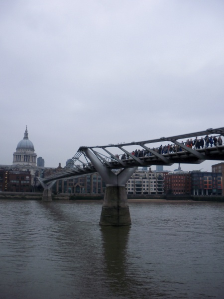 File:Millennium Bridge.JPG