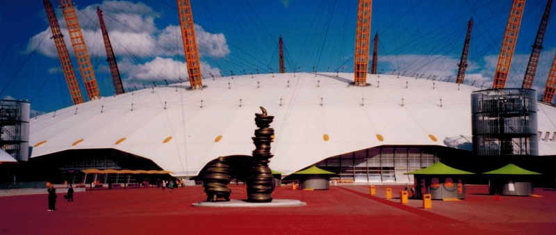 File:Tony cragg sculptures outside the millennium dome.jpg
