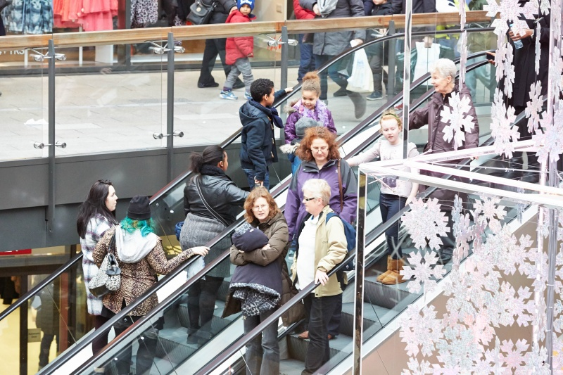 File:Shopping at London Designer Outlet adjacent to Wembley Stadium 5.jpg
