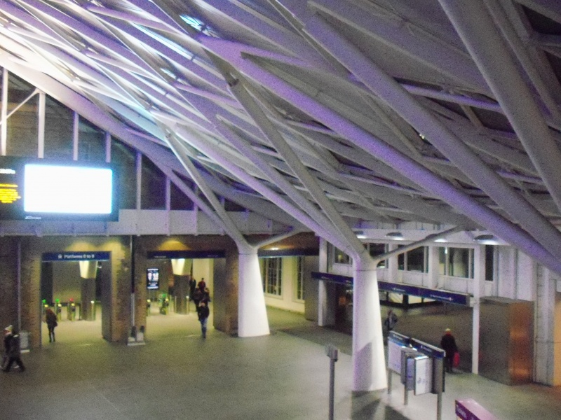 File:Kings cross station (6).JPG