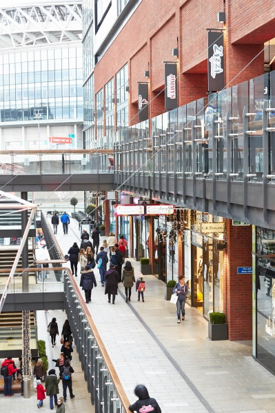 File:Shopping at London Designer Outlet adjacent to Wembley Stadium 6.jpg