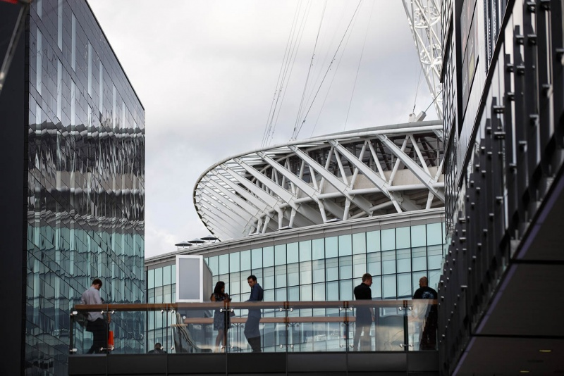 File:Wembley Outlet adjacent to Wembley Stadium 7.jpg
