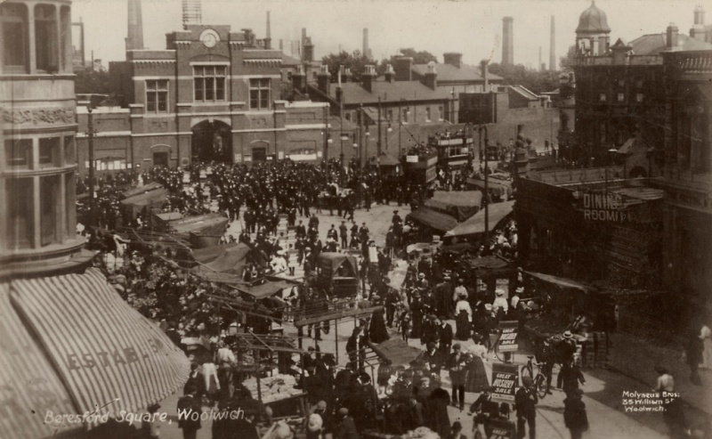 File:Beresford Square Woolwich.jpg