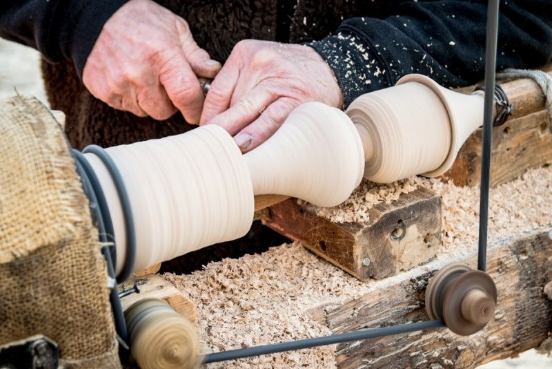 File:Woodturning2.jpg